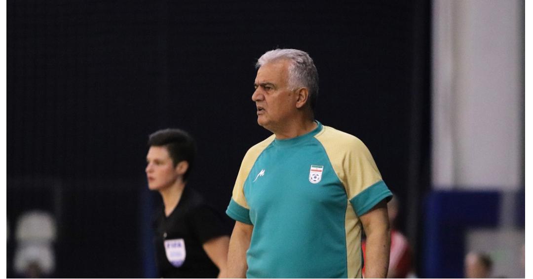 مدیر فنی تیم فوتسال بانوان:حد اقل صد بازیکن در لیگ داریم که در سطح تیم ملی هستند /چند مربی پیشنهاد دادند که سرمربی تیم ملی شوند /